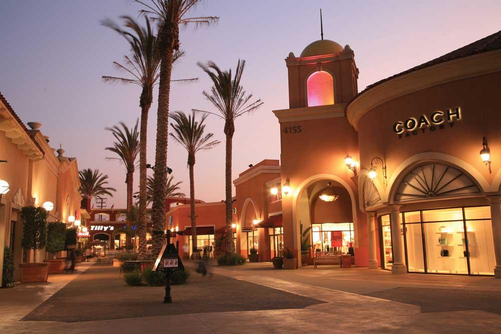 Best Outlet Stores in San Diego, CA - Las Americas Premium Outlets, Bloomingdales Outlet, Lucky 7's Outlet Store, New Balance Factory Store, Saks OFF 5TH, Hurley, Sears Outlet, V-Outlet, Saks OFF 5TH, Factory Outlet