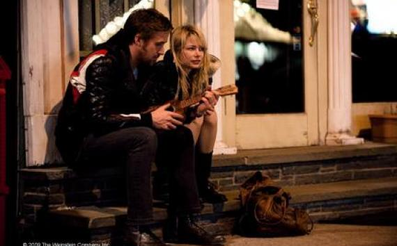 "(L-R) Ryan Gosling as Dean and Michelle Williams as Cindy in ""Blue Valentine."""