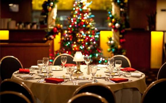 ... Christmas Eve Candlelight Dinner Cruise - Christmas Guide: 14 Things To Do In San Diego SanDiego.com