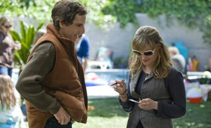 "(L-R) Ben Stiller as Roger and Jennifer Jason Leigh as Beth in ""Greenberg."""