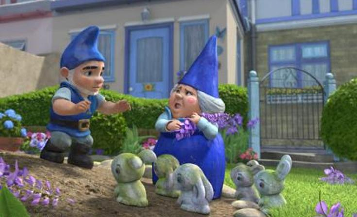 "Gnomeo and Lady Blueberry in ""Gnomeo and Juliet."""
