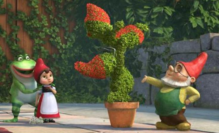 "(L-R) Nanette,  Juliet and Paris in ""Gnomeo and Juliet."""