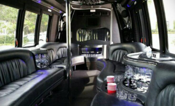 Aall in Limo and Party Bus