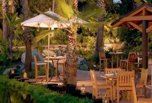 Barefoot Bar & Grille