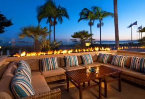 Bay Tower Lounge at Sheraton San Diego